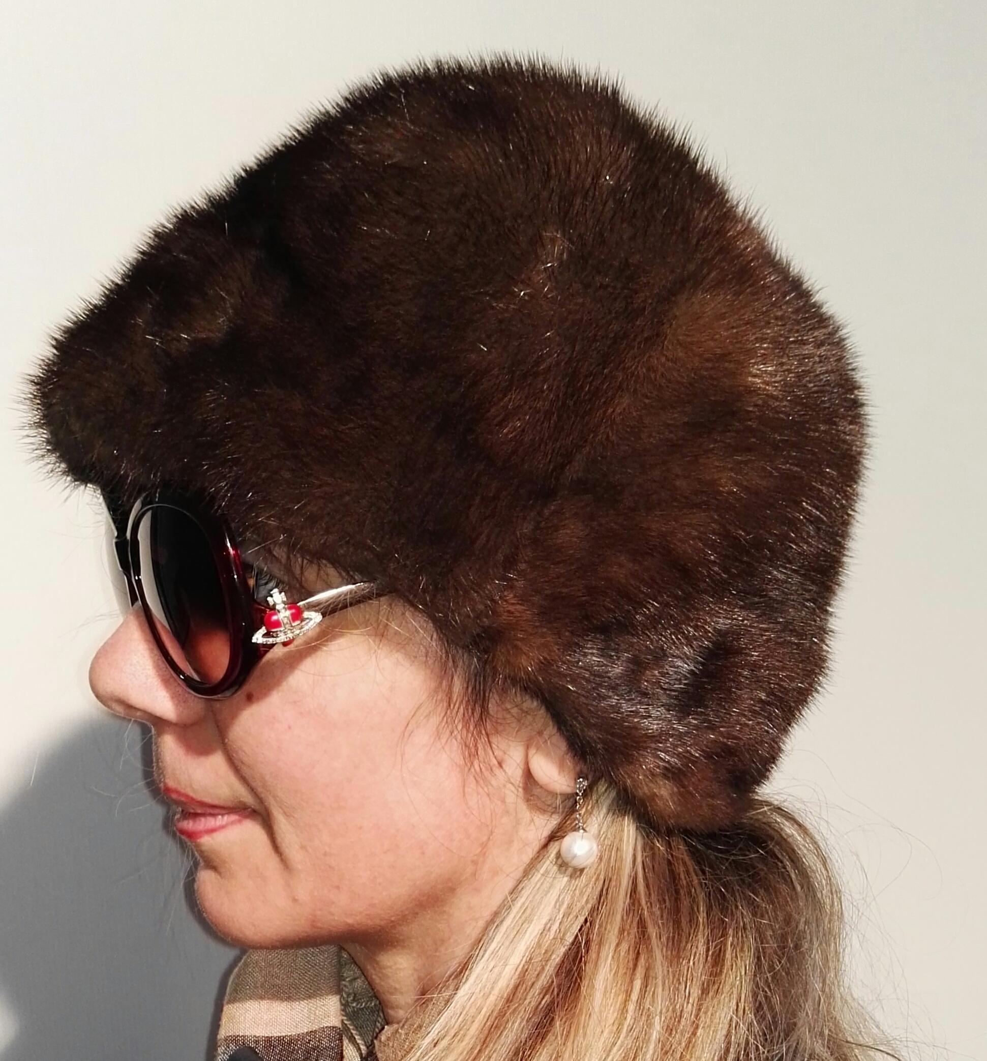 best loved 091e7 b7b25 Cappello in pelliccia di visone color marrone